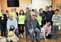 В Международный день собак-поводырей